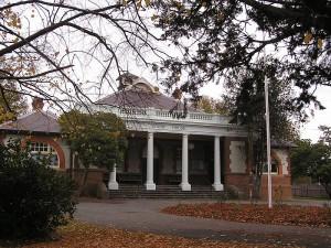 """""""Braidwood Courthouse"""" Photo Credit: Wikipedia"""